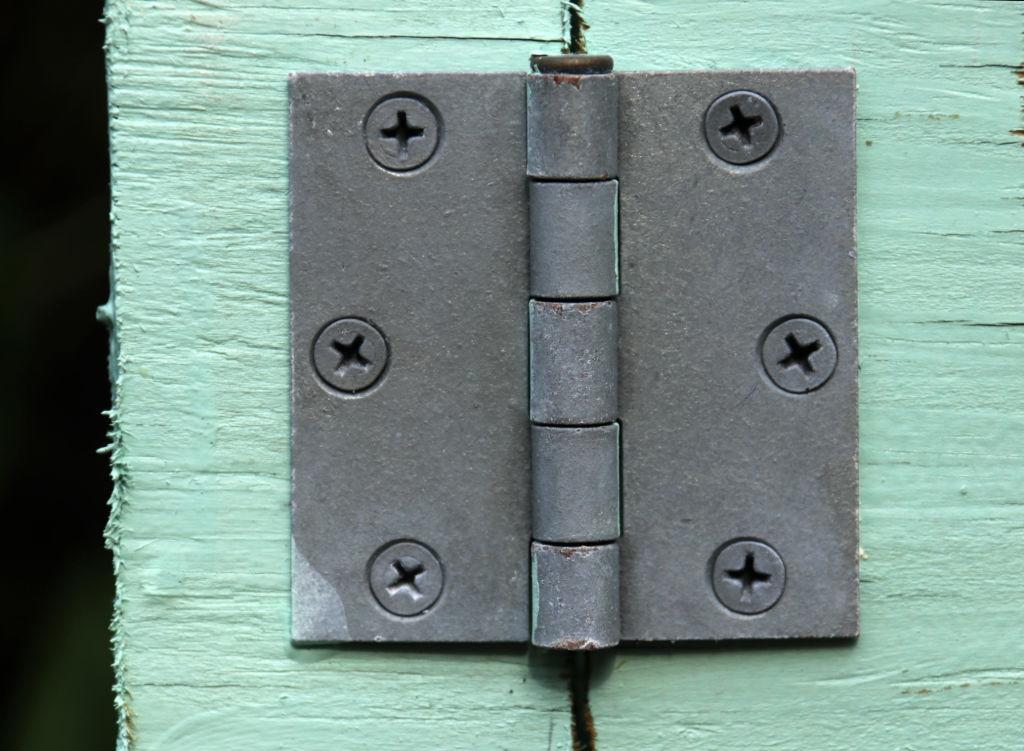door hinges repair in Burnaby